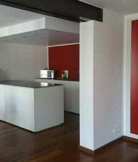 Rarität - Luxuriös möblierte 2 Zimmer Wohnung in toller Innenstadtlage zu vermieten !