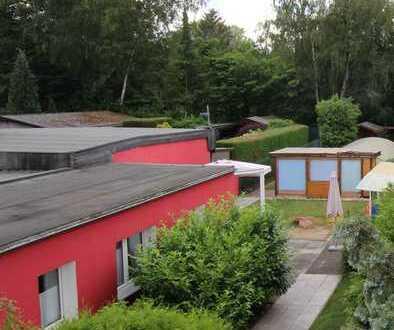 Traumhafter Bungalow mit großem Garten und Swimmingpool