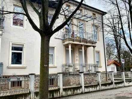 Erstbezug nach Sanierung - komfortable 4 Zi. Altbau -Wohnung im beliebten Kurviertel