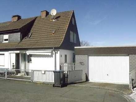 Sehr Gepflegtes EFH (DHH) mit herrlichem Grundstück und großer Garage in Siegen (Kaan-Marienborn)