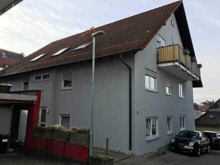 Gepflegte 2-Raum-DG-Wohnung mit Balkon und Einbauküche in Malsch