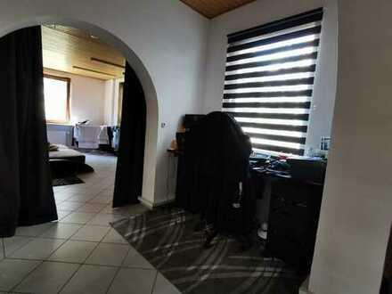 Vollständig renovierte 2-Zimmer-Wohnung mit EBK in Bremen