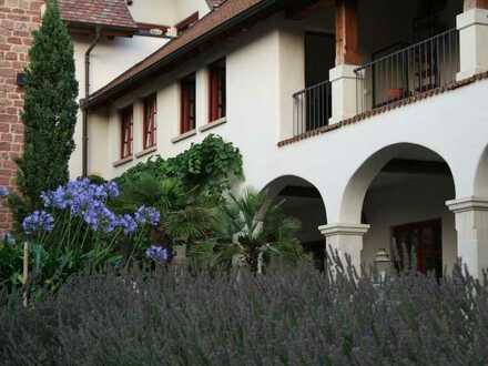 Mediterranes Wohnen auf Weingut in der Pfalz