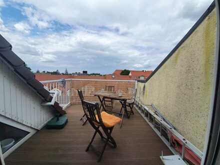 Ansprechende 2,5-Zimmer-DG-Wohnung mit Balkon und Einbauküche in Finsterwalde