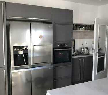 Schöne 5 Zimmer Luxus Maisonette Wohnung in Landsberg Reisch