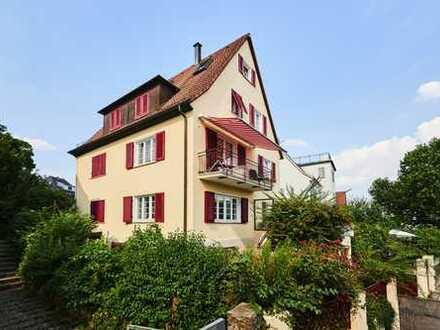Freistehendes 1-2 Familien- Haus (ca. 217 qm) mit Garten und Garage in Top- Lage!
