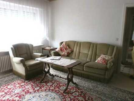 Voll möbliertes DG-Appartement mit Balkon