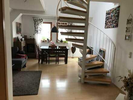 RESERVIERT- Gepflegte 3-Zimmer-DG-Wohnung mit Balkon und EBK in Wilhermsdorf