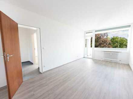 RENOVIERT 2 Zimmer - Helle Wohnung für WG oder Paare