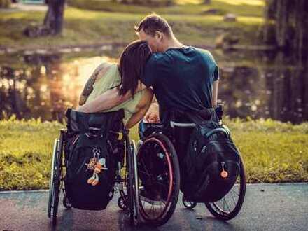 Besonders Wohnen in der Bahnstadt! Rollstuhlgerecht mit viel Licht und Glas! Förderung möglich!