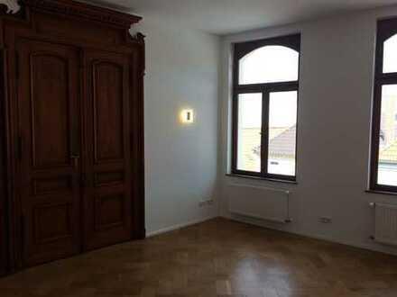Hochwertig, sanierte 3-Raumwohnung mit Balkon