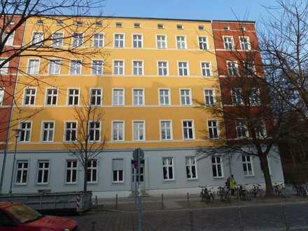 Praxis/Büro in teilgewerblicher Wohnung in Lichtenberg (Kaskelkiez)! AB SOFORT