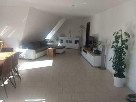 PROVISIONSFREI: Schöne helle & großzügige 4-Zimmer-Whg. im Zentrum von Flein