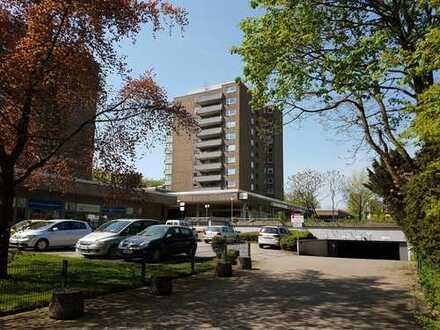 Erstbezug nach Sanierung: Preiswertes 2 ZKB Apartment mit Blick nach DU Und D
