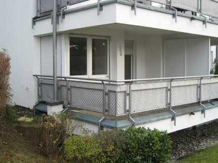 *Gemütliche Erdgeschoss-Wohnung mit schönen überdachten Balkon in angenehmer Wohnlage*