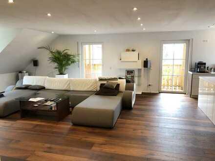 900 €, 120 m², 3 Zimmer, 2 Balkone