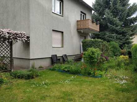 Gemütliche, gut geschnittene 3-Zimmer-Wohnung mit Terrasse und Garten in Frankfurt am Main