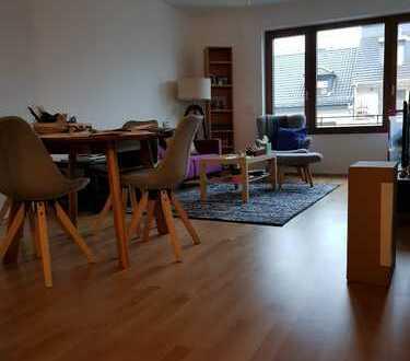 Tolle 2-Zimmer-Wohnung mit Balkon und Einbauküche in Frankfurt Rödelheim