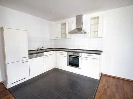Helle 3-Zimmer-Wohnung mit Balkon und Einbauküche am Flugfeld