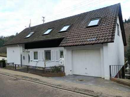 Idyllisches Zweifamilienhaus / Mehrgenerationenhaus in Nagold-Gündringen