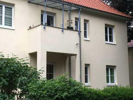 Sanierte 2-Zimmer-Hochparterre-Wohnung mit Balkon in Dresden