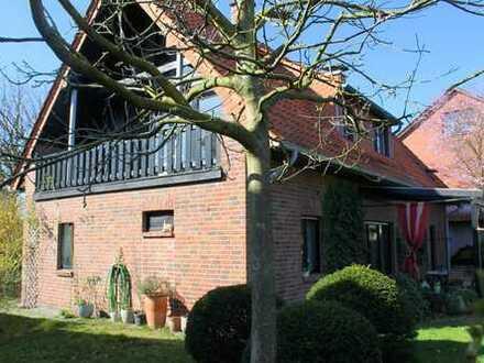 Freistehendes Einfamilienhaus mit Carport - Landhausstil und Moderne gut kombiniert!