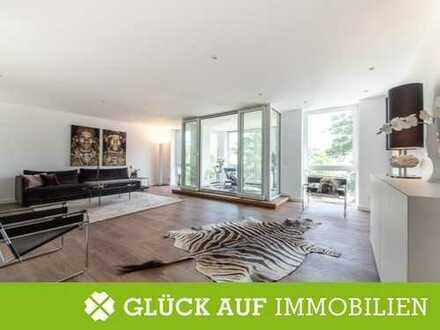 Exklusive Eigentumswohnung über drei Etagen in erster Rheinlage von Düsseldorf-Golzheim