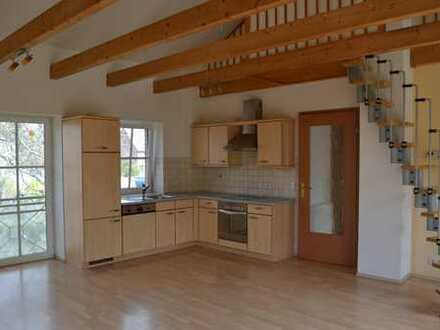 Gepflegte 2-Zimmer-Maisonette-Wohnung mit EBK in Pfaffendorf