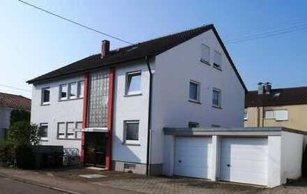Ehningen: Großzügiges Dreifamilienhaus in guter Lage