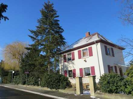 Charmantes Einfamilienhaus mit Potential auf ca. 1.500,00 qm Grundstück