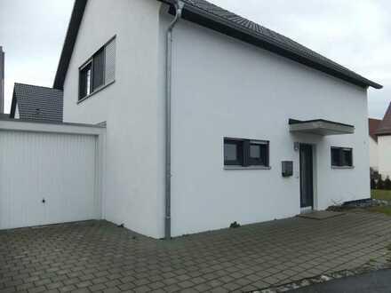 Neuwertiges 4-Zimmer-Einfamilienhaus mit Einbauküche in Biberach an der Riß, Biberach an der Riß