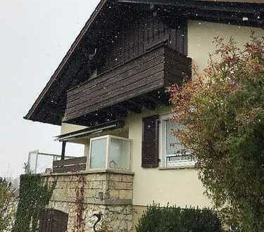 Schönes freistehendes Haus in bester sonniger Lage mit sechs Zimmern in Zollernalbkreis, Meßstetten