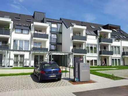 Exklusive, neuwertige und barrierefreie 3-Zimmer-DG-Seniorenohnung mit Balkon und EBK in Herrenberg