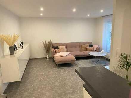 Vollständig modernisierte 3 Zimmer EG-Wohnung INKL. 2 Stellplätzen (davon 1TG) OHNE Marklerprovision