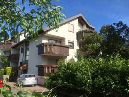 Charmante 2-Zimmer-Atelierwohnung mit EBK und sonnigem Balkon an EINZELPERSON