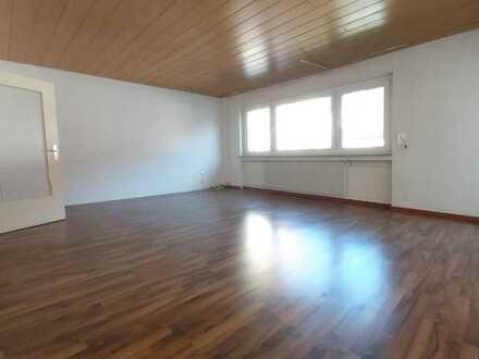 Schöne 5 Zimmer Wohnung in RT