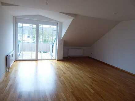Exklusive, vollständig renovierte 2-Zimmer-DG-Wohnung mit Balkon und EBK in Pfullendorf