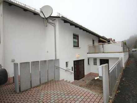 Ein- bis Zweifamilienhaus mit unverbaubarem Blick