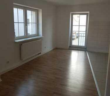 Freundliche, vollständig renovierte 2,5-Zimmer-Wohnung zur Miete in Schwandorf