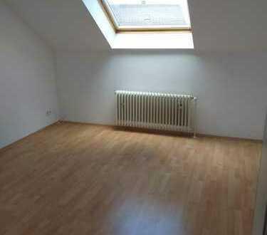 Ansprechende 2-Zimmer-Dachgeschosswohnung mit EBK in Dortmund