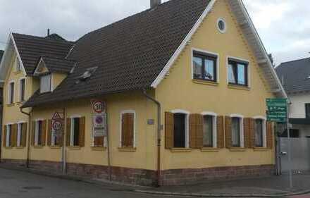 Schönes Mehrfamilienaus mit acht Zimmern in Rhein-Pfalz-Kreis, Dudenhofen
