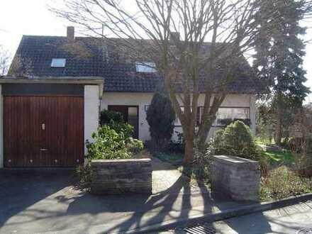 Haus am Ortsrand mit sonniger Terrasse und großem Garten