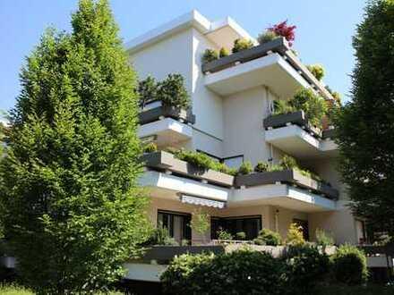 Lebensqualität wie im eigenen Haus • Ruhige Lage und sonniger Terrassenbalkon