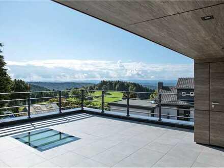 Exklusive Immobilie mit durchdachter Architektur und Blick auf die Schweizer Alpen!
