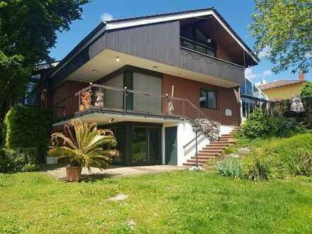 Ronneburg: Repräsentatives Architektenhaus in Feldrandlage!