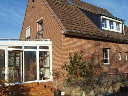 Freistehendes, schönes Einfamilienhaus mit sechs Zimmern und großem Garten in guter Wohnlage!