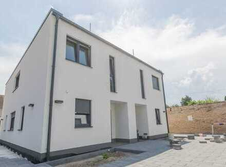Langenhagen Top Lage | Exklusive Doppelhaushälfte im Bauherrenstil