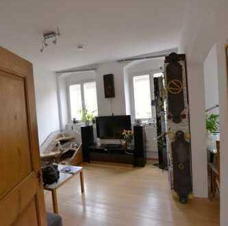 Helle 3-Zimmer- Altbauwohnung