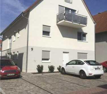 Neuwertige 2-Zimmer-Dachgeschosswohnung mit Balkon und Einbauküche in Haßloch