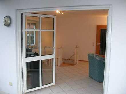 Gepflegte 2,5-Zimmer-Erdgeschosswohnung mit Balkon in Donauwörth-Riedlingen